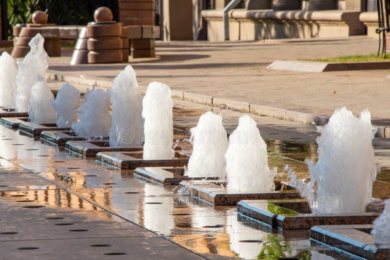 Minsk, Białoruś, 2019 kapitał i miejsce drugi, lato, sporty, Europejskie gry astana stolicy fontanna Kazakhstan zdjęcia stock