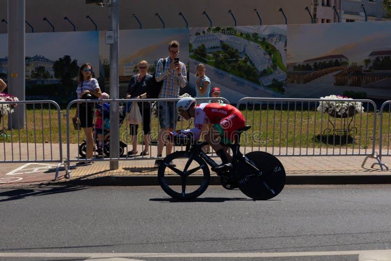 MINSK, BIELORRÚSSIA - 25 DE JUNHO DE 2019: O ciclista de Bielorrússia Kiryienka participa nos homens rachou a raça individual do  imagens de stock royalty free