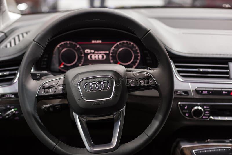 Minsk, Maja 2018 Audi Q7 wnętrze obraz stock