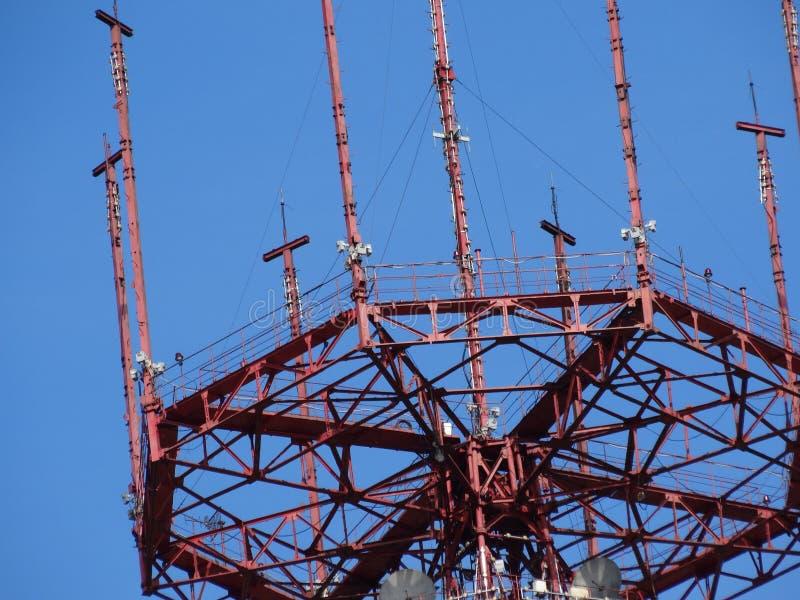 Minsk-Sendungs-Turm nahe stockbilder