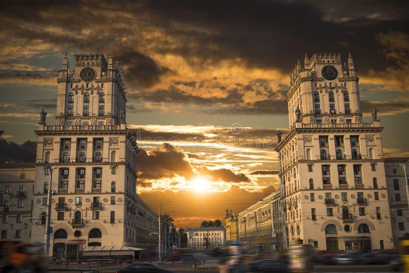 Minsk-Tor zur Stadt stockfotografie