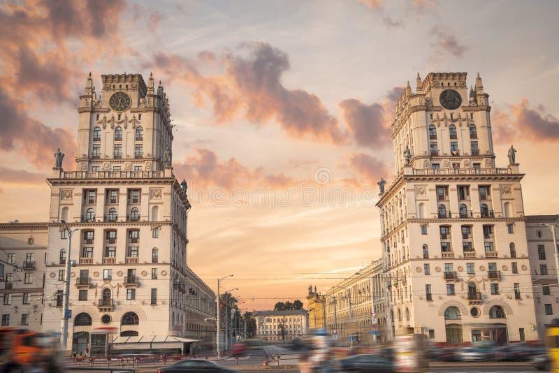 Minsk-Tor zur Stadt stockfoto