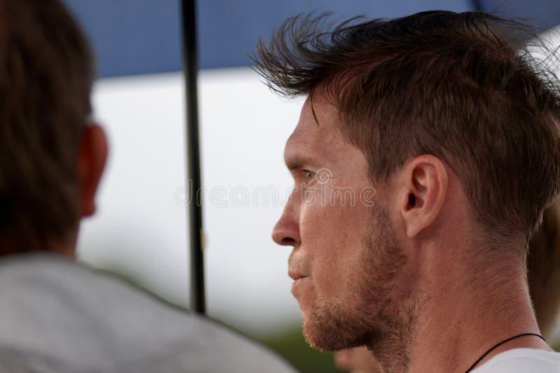 MINSK VITRYSSLAND - JUNI 29, 2018: Fotbollspelaren Alexander Hleb ser under den vitryska premier leaguefotbollsmatchen mellan FC arkivbild