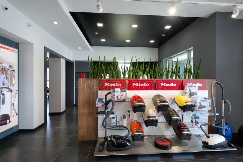Minsk Vitryssland - Juni 25, 2017: Miele försäljningskontor i Minsk Vitryssland arkivbilder