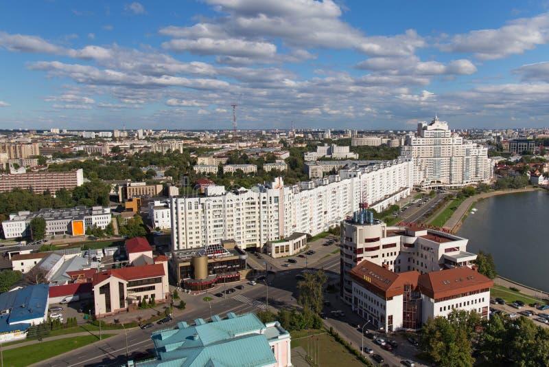 MINSK, WIT-RUSLAND - AUGUSTUS 15, 2016: Luchtmening van het zuidendeel van het Minsk royalty-vrije stock foto