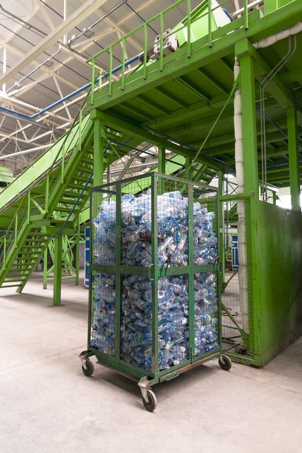 Minsk, Wit-Rusland - Juni 6, de installatie van de het Afvalverwerking van 2019 Technologisch proces voor goedkeuring, opslag, he royalty-vrije stock foto