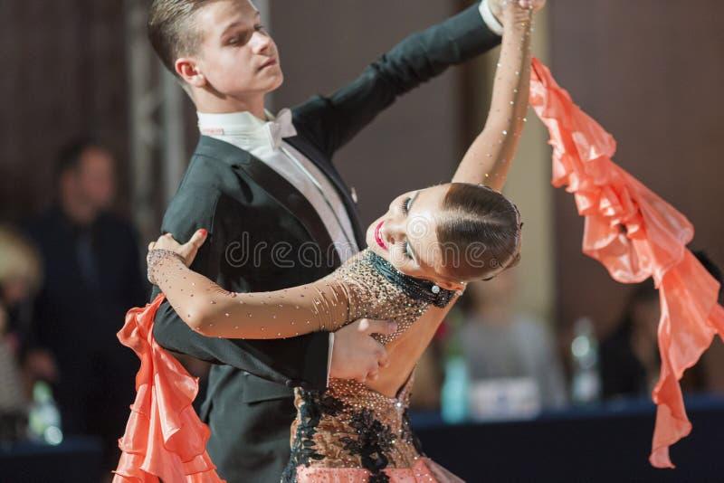 Minsk, 26 Witrussisch-September, 2015: Ermolovich Konstantin en Sne stock afbeelding