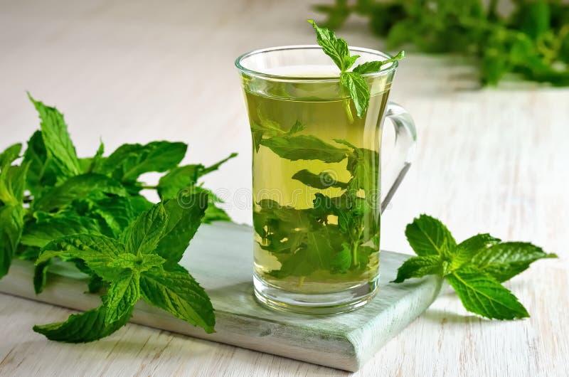 Download Mint чай стоковое фото. изображение насчитывающей green - 41661438