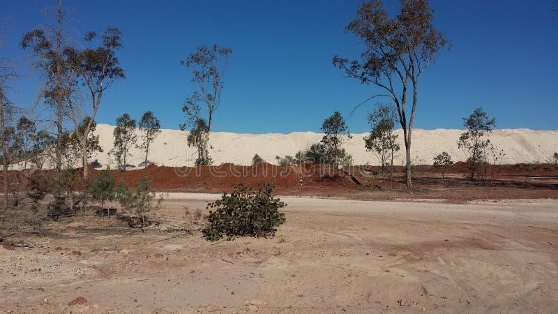Minujący dla opali i Górniczego życia w NSW odludzia Opalowych polach, Nowe południowe walie, Australia obrazy royalty free
