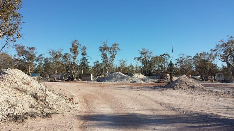 Minujący dla opali i Górniczego życia w NSW odludzia Opalowych polach, Nowe południowe walie, Australia obraz royalty free