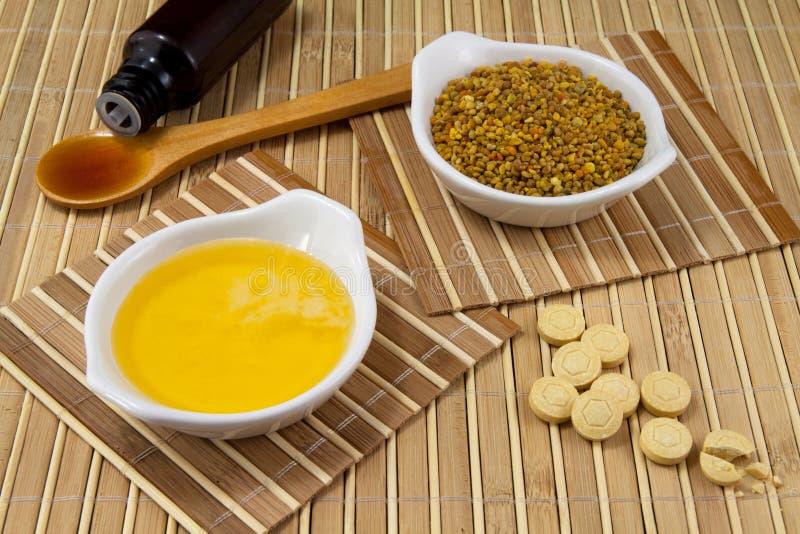 Miodu i pszczoły produkty obrazy stock