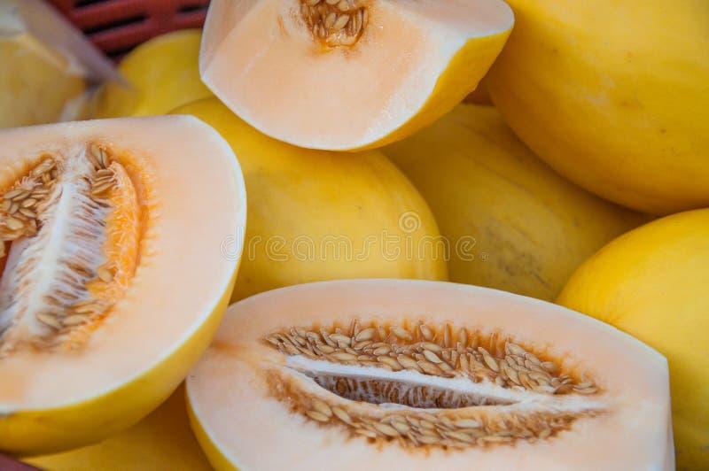 Miodunka melon na fruitmarket, Yangon zdjęcia stock