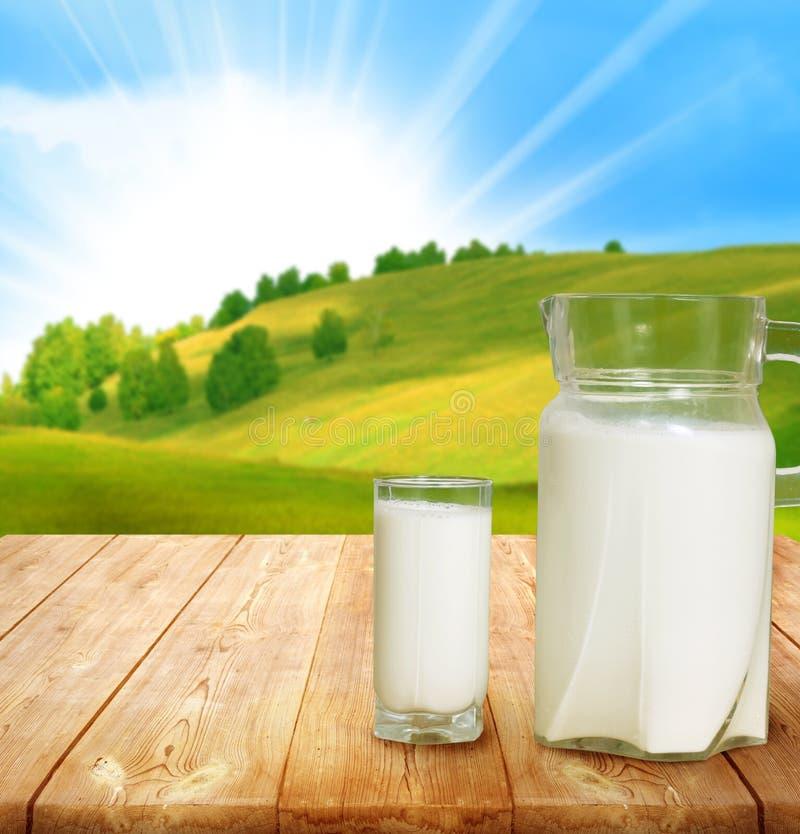 Miotacz mleko zdjęcia stock