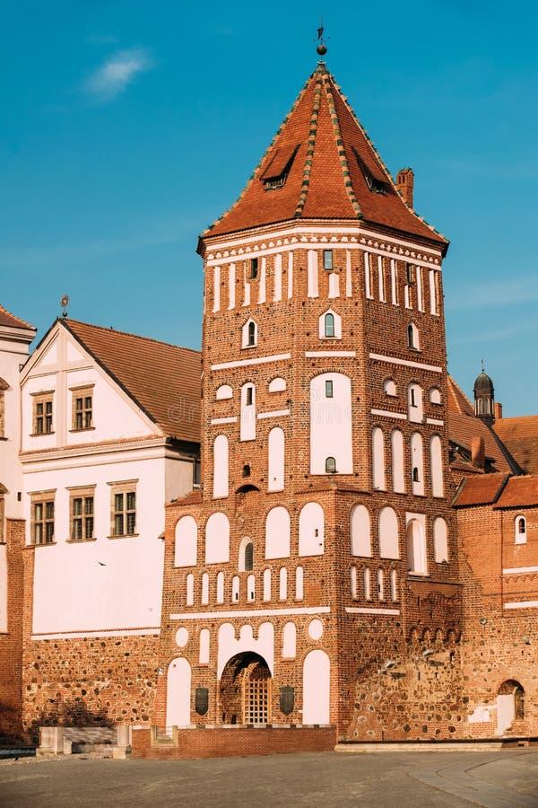 Mir, Białoruś Stary Góruje Mir kasztelu kompleks Na Błękitnym Pogodnym niebie obraz royalty free
