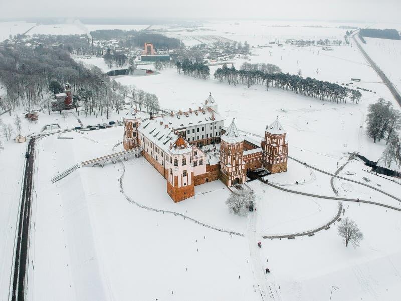 Mir Castle i Vitryssland Vinter Surrfoto royaltyfri fotografi