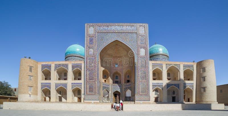 Mir-jag-arab Madrasa i Bukhara Buxoro, Uzbekistan fotografering för bildbyråer
