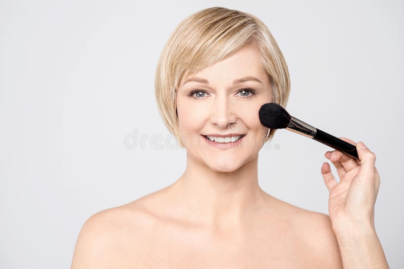Mir werde fast mein Make-up getan lizenzfreies stockbild