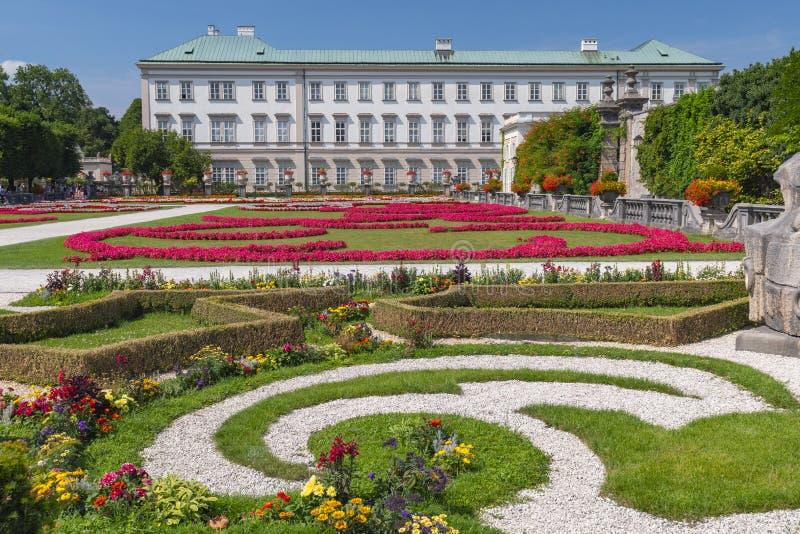 Mirabellgarten und Schloss Mirabell, Salzburg, Österreich stockfotografie