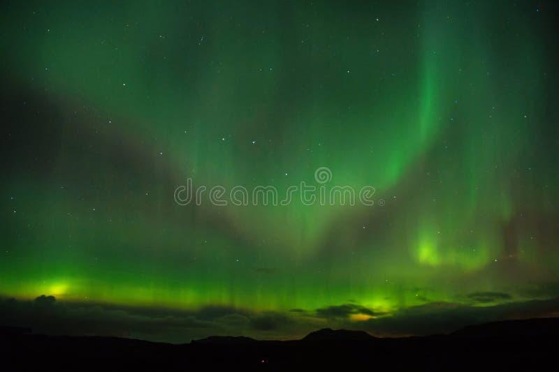 Miracoli della natura Cielo di buio dell'aurora Fenomeni stupefacenti della natura Il migliore posto vede l'aurora borealis Quand immagini stock libere da diritti
