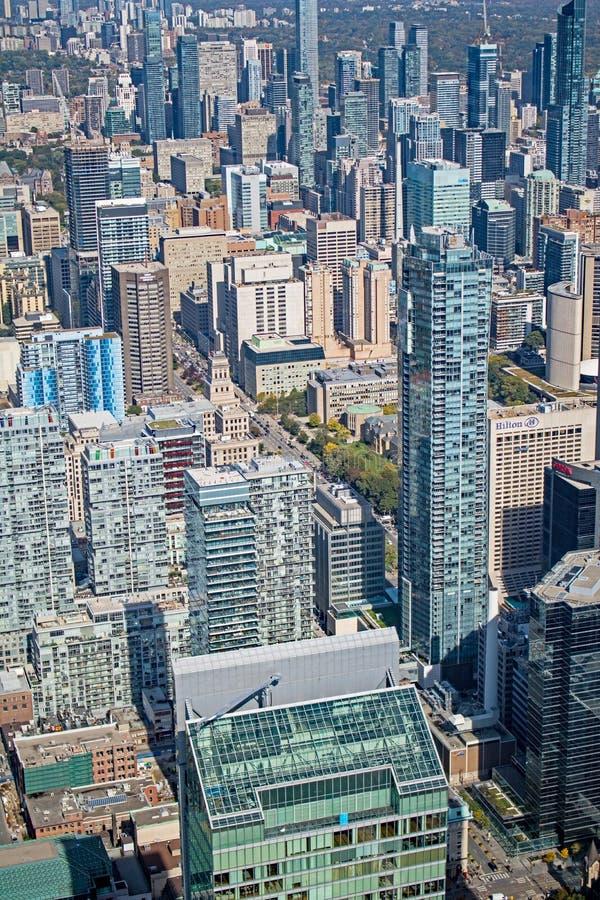 Mirada abajo en horizonte del ` s de Toronto foto de archivo