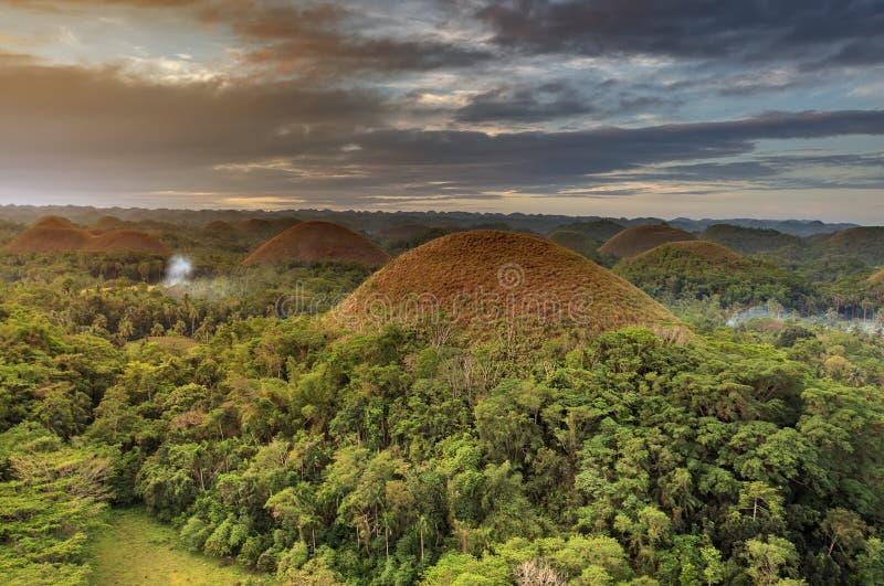 Mirada espectacular en las colinas del chocolate, Bohol, Filipinas fotos de archivo libres de regalías