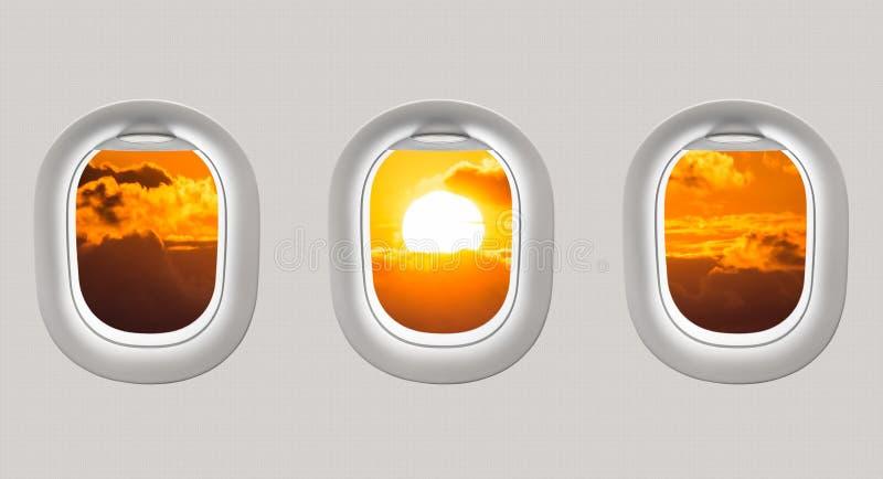 Mirada hacia fuera de las ventanas de un avión al Mar Negro y a la puesta del sol ilustración del vector