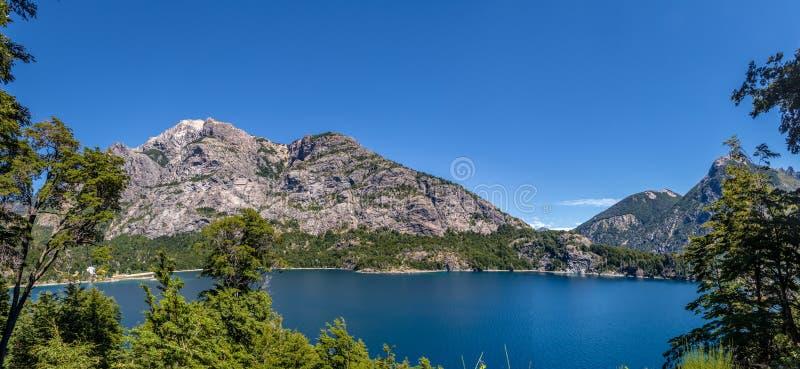 Mirador Bahia Lopez - de Baaigezichtspunt van Lopez in Circuito Chico - Bariloche, Patagonië, Argentinië royalty-vrije stock fotografie
