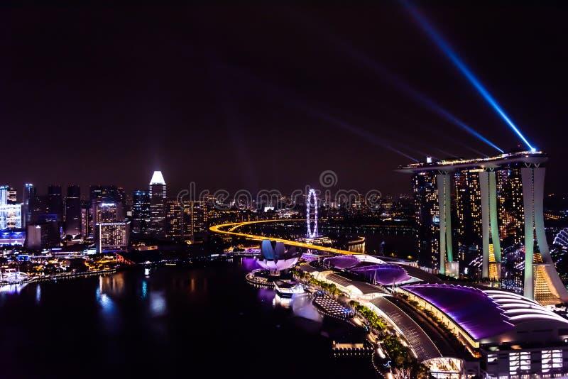 Mirakel- fullt - tänd och bevattna showen, den största laser-showen i South East Asia royaltyfri bild