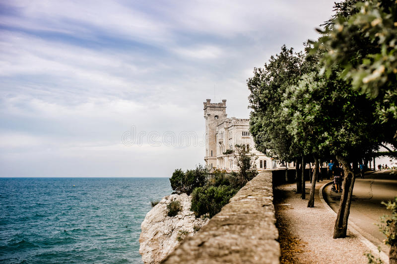 Miramare de château de Trieste photo stock