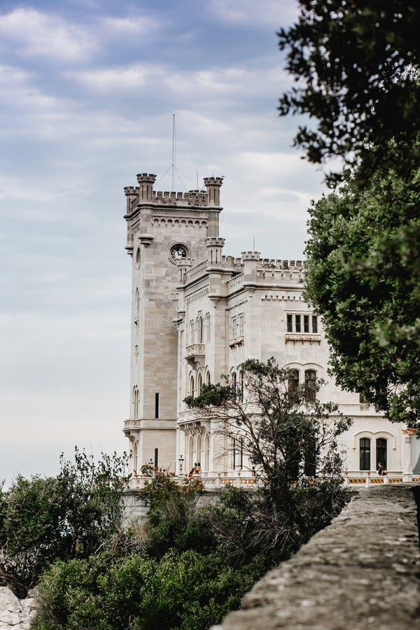 Miramare del castillo de Trieste imagen de archivo libre de regalías