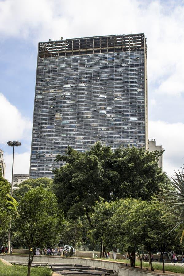 Mirante fa l'edificio di Vale in valle di Anhangabau immagine stock