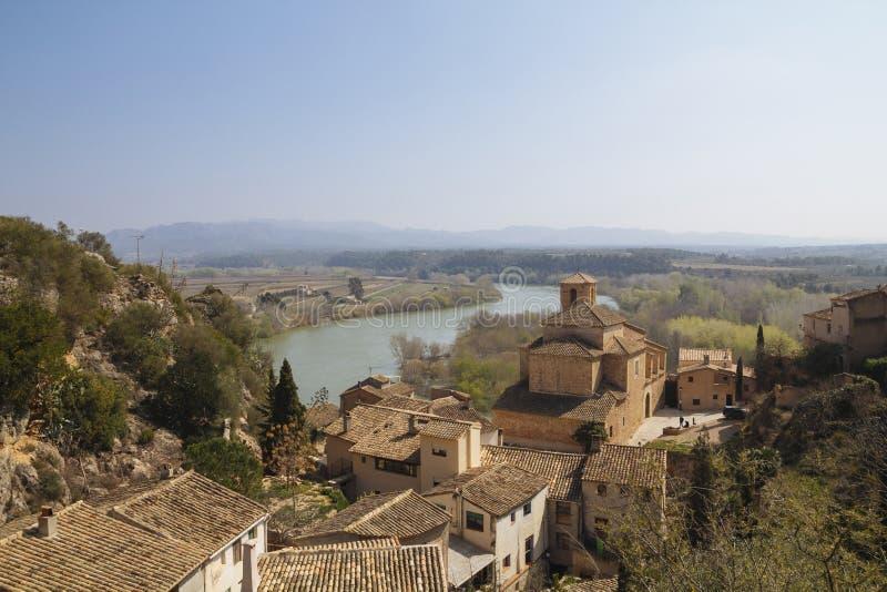 Miravet χωριό σε Catalunya, Ισπανία στοκ φωτογραφίες