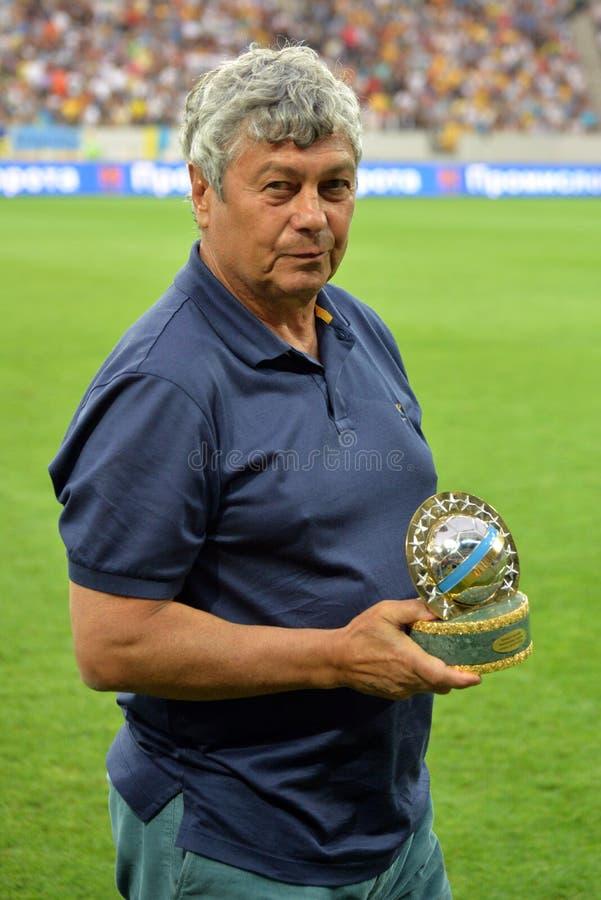 Mircea Lucescu con il premio fotografie stock