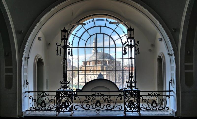 Mire el ` de Banya Bashi del ` de la mezquita en el centro de Sofía, Bulgaria fotos de archivo libres de regalías