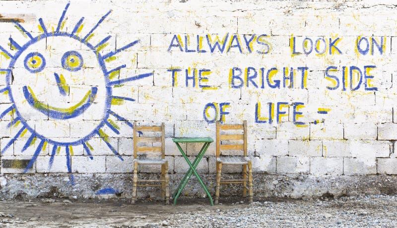Mire siempre en las partes positivas de la vida fotografía de archivo