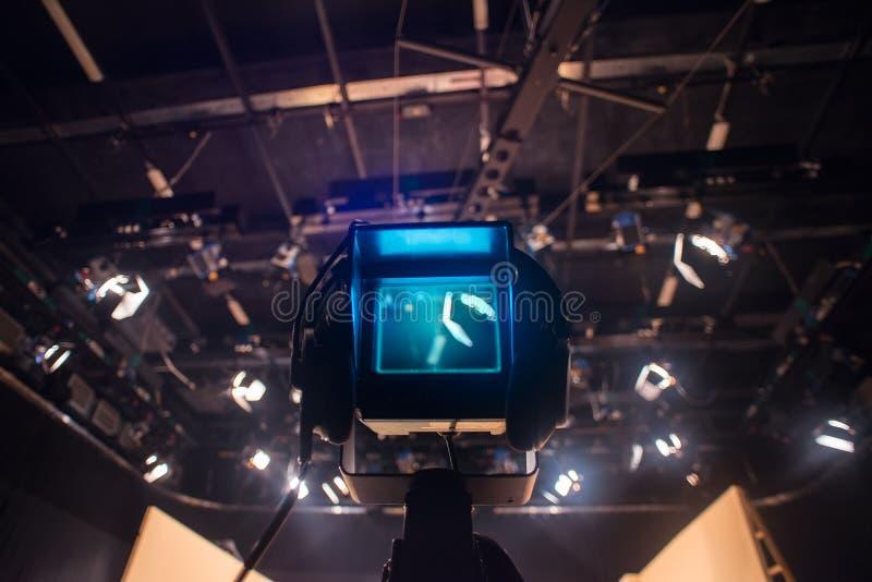 Mirino della videocamera - manifestazione della registrazione nello studio della TV fotografia stock
