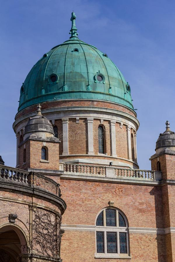 Mirogoj公墓Green Dome在萨格勒布,克罗地亚 免版税库存图片