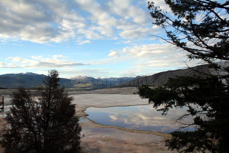 Miroir dans le Hot Springs image libre de droits