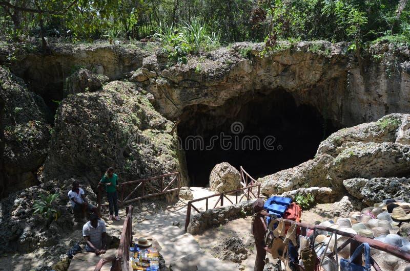 miroir inférieur pas Russie de lac de kungur de caverne visible photographie stock