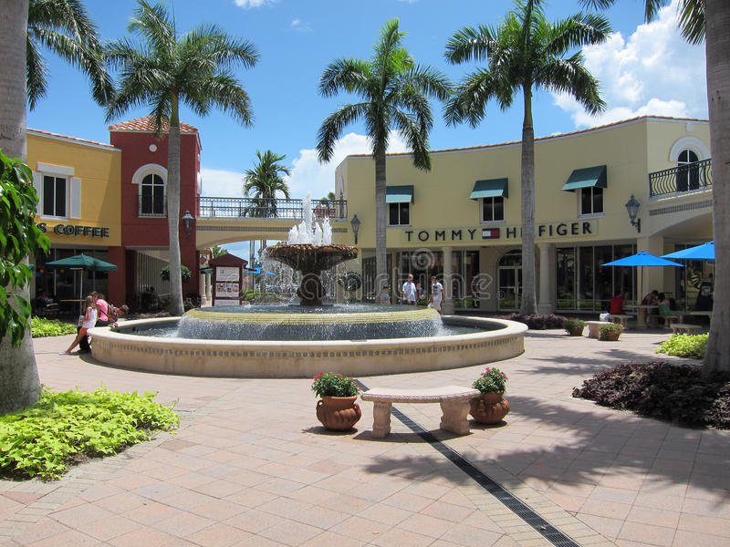 Miromar Outlet in Estero, Florida. Water fountain by the Miromar Outlets in Estero, Florida. The outlet is home to over 140 designer and brand name shops