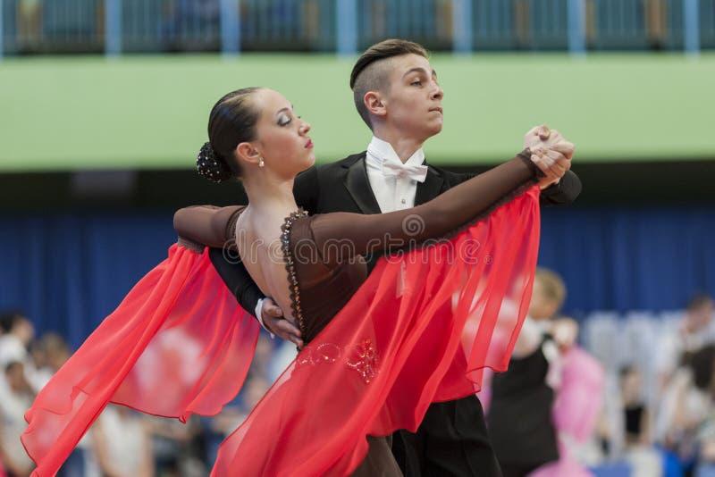 Mironchik Vladislav und Standard-Programm Ermakova Olga Perform Youth-2 stockbilder