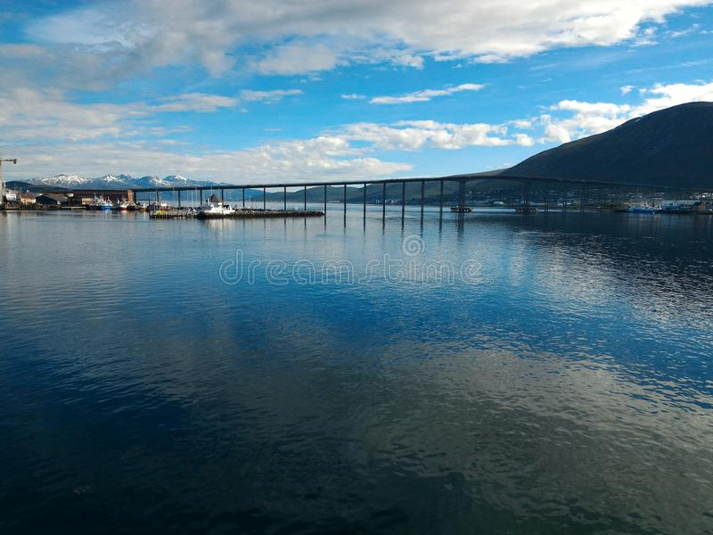 miror op zee blauwe hemel royalty-vrije stock foto