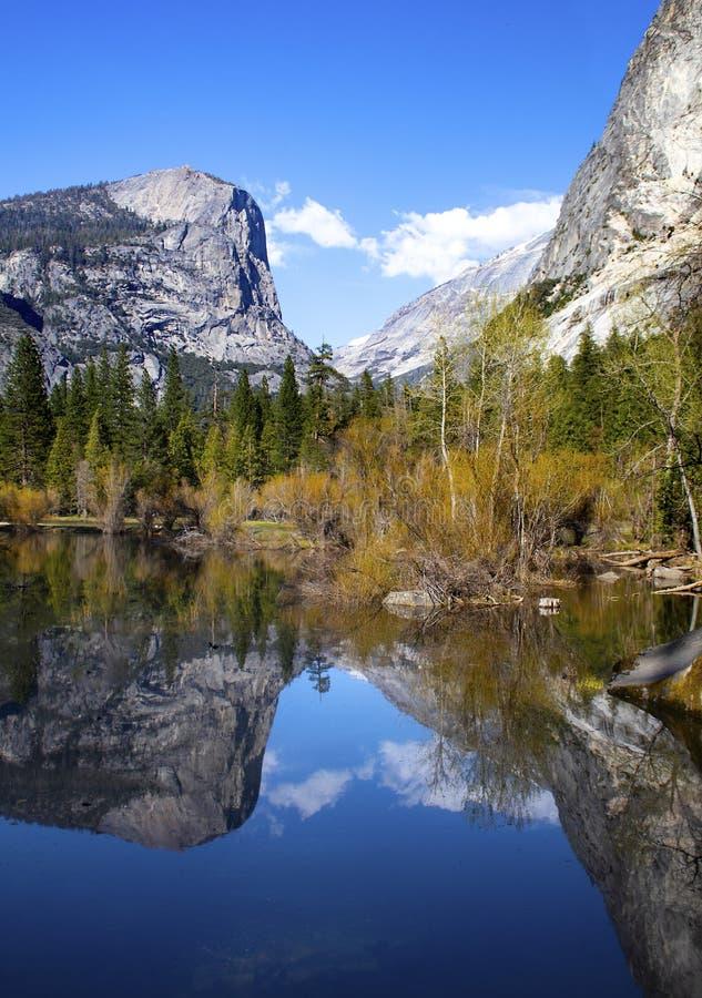 Mirror湖-优胜美地国家公园 免版税库存图片