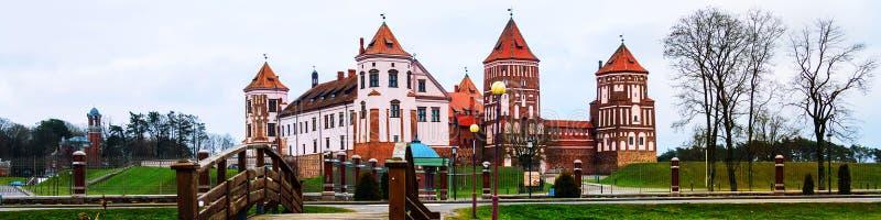 Mirsky slottkomplex som lokaliseras i en liten stad Mir, Vitryssland arkivbild