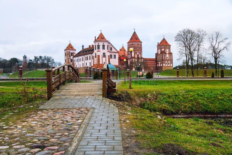 Mirsky slottkomplex som lokaliseras i en liten stad Mir, Vitryssland royaltyfri fotografi