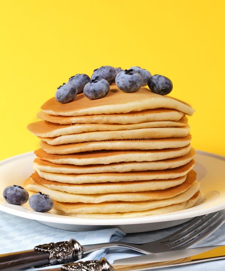 Mirtillo e pancake fotografia stock