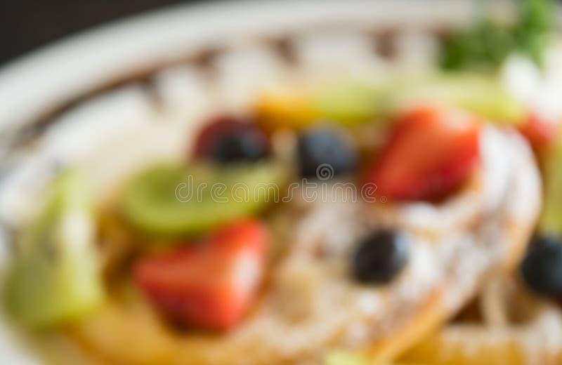 Mirtillo offuscante Kiwi Fruity Waffle Dessert Background della fragola di stile per progettazione 3 immagine stock libera da diritti