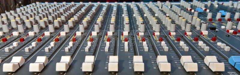 Miscelatore di musica immagini stock libere da diritti