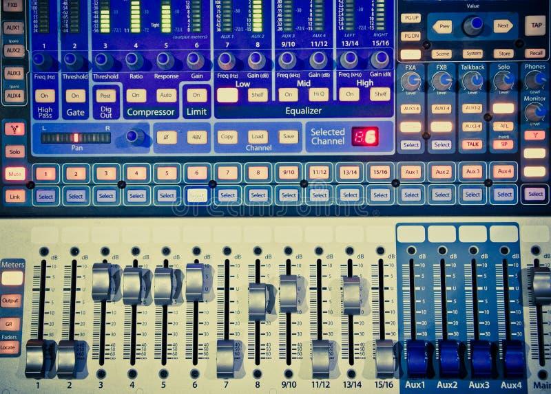 Miscelatore 1 di musica immagini stock libere da diritti