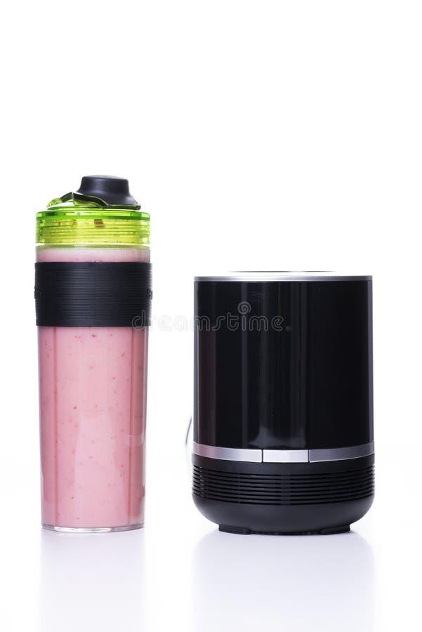 Miscelatore e frullato rosa fotografie stock